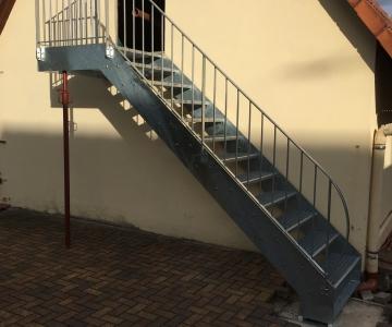 Escalier double limon galvanisé